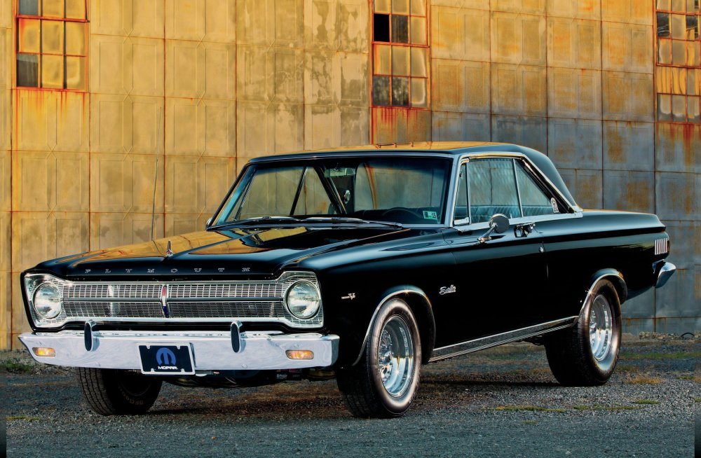 1965-plymouth-satellite-front-driver-side