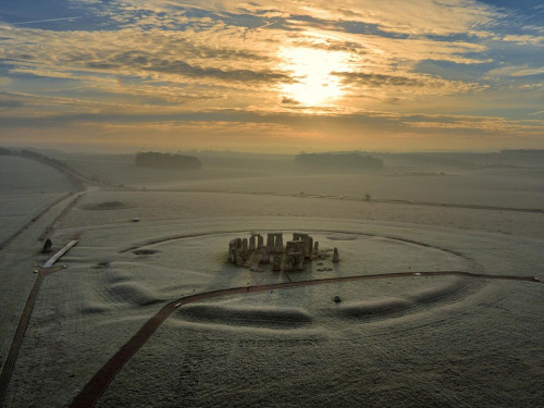 snow-covered-stonehenge-last-week