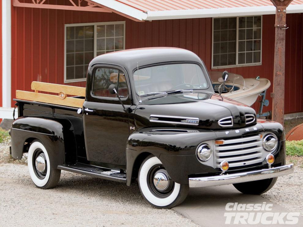 1102clt-04-o-2011-classic-truck-buyers-guide-black-truck-990x743